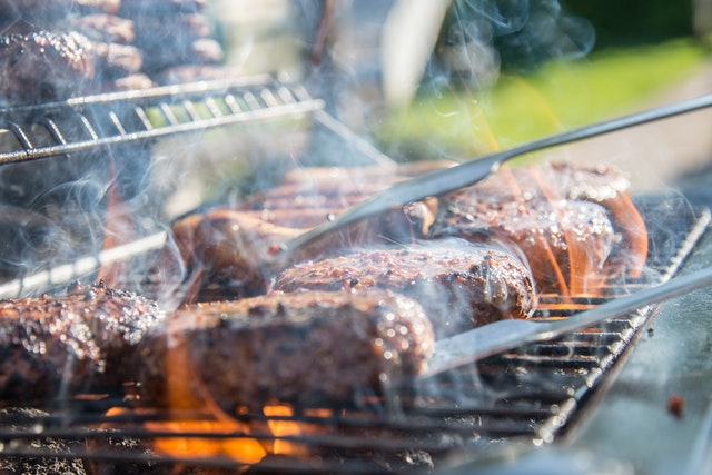 Grilling Over Gas is Objectively, Scientifically, Better than Grilling Over Charcoal